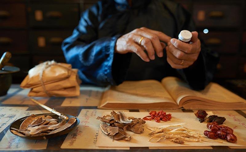 Các bài thuốc Đông y thường điều trị từ căn nguyên của bệnh